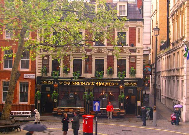 Sherlock Holmes pub i London