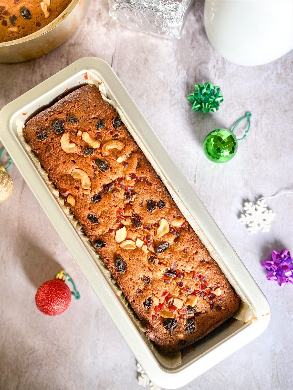 HOLIDAY FRUITCAKE