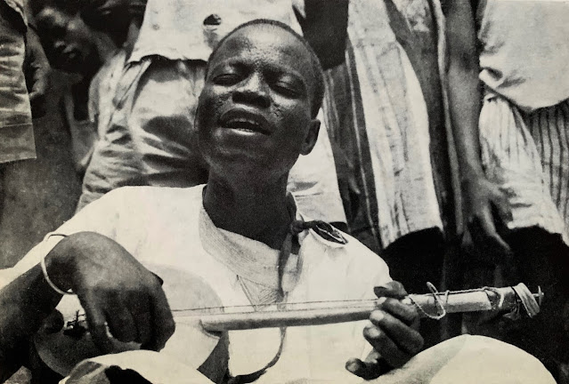 #Burkina Faso #Haute Volta #Mossi #Bissa #Peul #Gan #Lobi #Naba # Tenkodogo #orchestre #tambours #koné sanza #flûte lontoré #sanza koné #arc musical #musical arc #African music #musique Africaine #traditional music #musique traditionnelle #world music #vinyl #10-inch #MusicRepublic