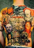 tatuaje para halloween gigante en la espalda con peliculas clasicas de terror