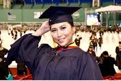 Perempuan asal Binjai, Sumut, Armaya Doremi, mengukir prestasi dengan meraih nilai tinggi dan lulus S2 dari universitas ternama, Northeastern, di Boston, AS. Peraih beasiswa ini terpilih sebagai pembicara utama wisuda, mewakili ratusan mahasiswa di angkatannya.