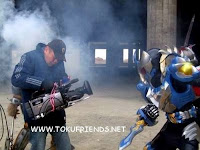 http://1.bp.blogspot.com/-3IK-dZaRIfw/VneBykXiLjI/AAAAAAAAFJM/47nca-d2Qd8/s1600/armor_hero_backstages_8.jpg