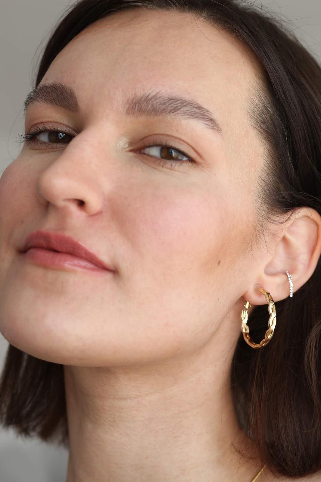 Spring make-up no make-up look, lip maximizing gloss   Wiosenny makijaż naturalny i błyszczyk powiększający usta   PÜR Cosmetics 4in1 Foundation review