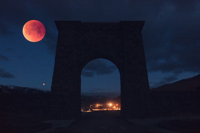 Super Blood Moon over the Roosevelt Arch