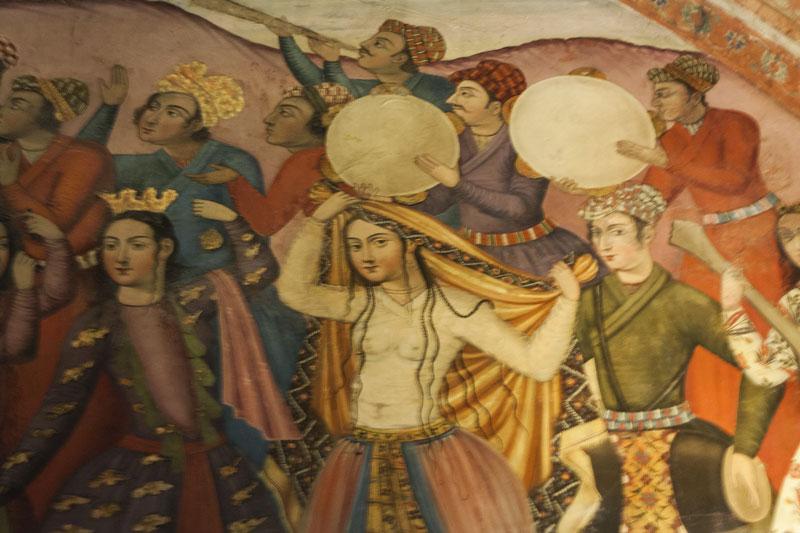 """Pittura muraria """"sensuale"""" del XVII secolo di un palazzo di Esfahan"""