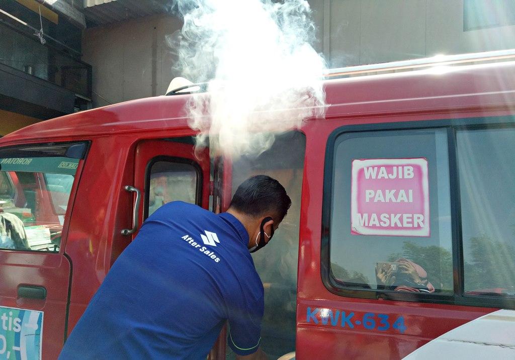 Suzuki Lakukan Fogging Disinfektan Seribu Angkot Jak Lingko