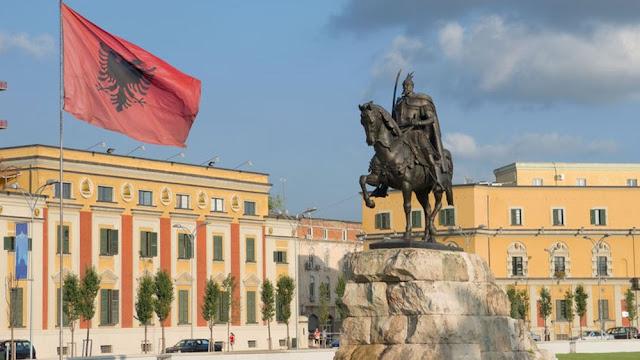"""Αλβανία: Στρατός και αστυνομία στη """"μάχη"""" περιορισμού του κοροναϊού"""