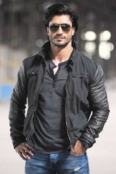 Bollywood Actors vidyut jamwal Upcoming Movies List 2019, 2020, poster trailer, junglee, Commando 3 on Mt Wiki. wikipedia, koimoi, imdb, facebook, twitter news, photos, poster, actress updates of Tiger