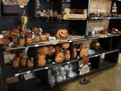 https://www.primitivesbykathy.com/browse-our-artists/pumpkin-hollow