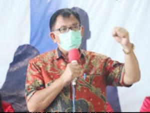 Bupati Onibala Serahkan BLT Dandes di Desa Suluun Tiga