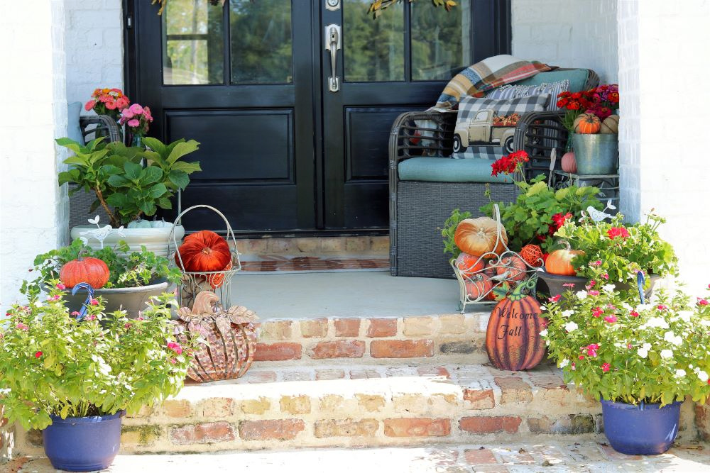 fall-decorating-decor-charming-southern-styling-home-athomewithjemma