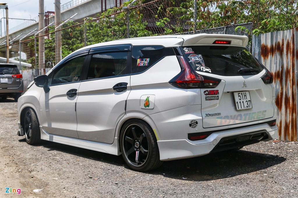 Mitsubishi Xpander độ hạ gầm theo phong cách JDM tại TP.HCM