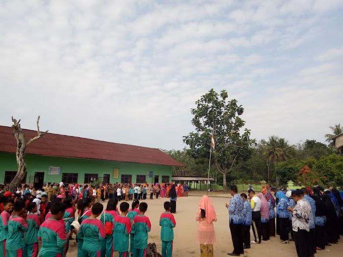Memperingati Hari Kartini Ke 139 Tubaba Mengadakan Kegiatan Upacara
