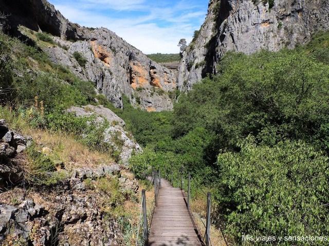 Barranco de la Fuente, Pasarelas del río Vero, Alquezar, Aragón
