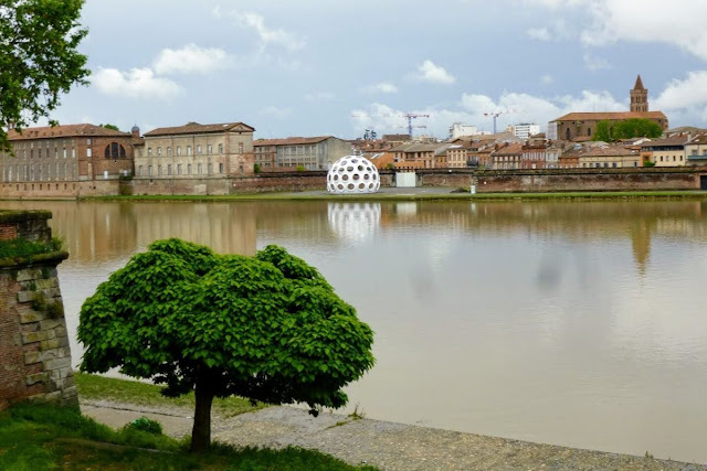 Things to do in Toulouse: Walk along the Garonne River