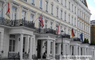 fachada do hotel K+K George em Londres