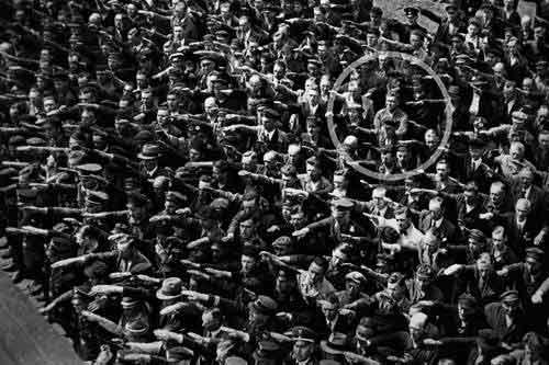 August Landmesser, kundërshtari politik i Adolf Hitler