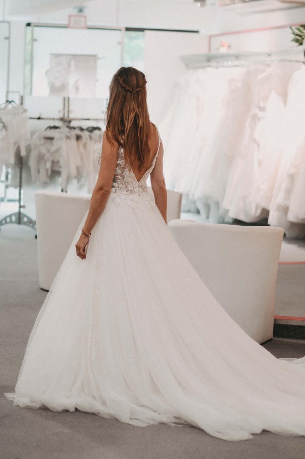 Fashionstylebyjohanna-Hochzeitskleid-Brautmoden-Brand-Hochteitskleider-Heiraten