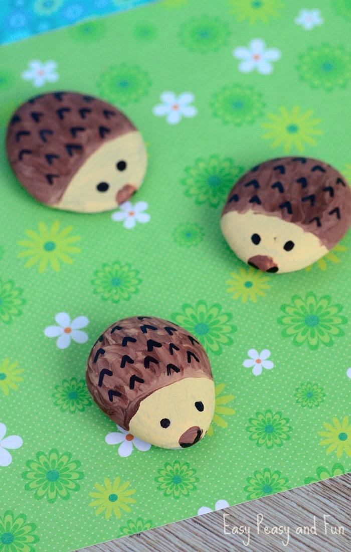 Super easy pocket pet hedgehog rock painting idea