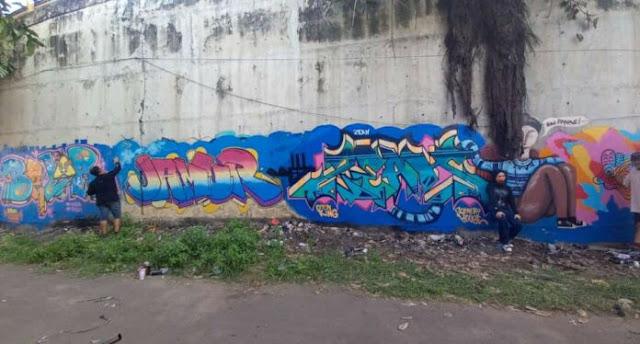 Mural di jembatan layang cibeber kota cilegon