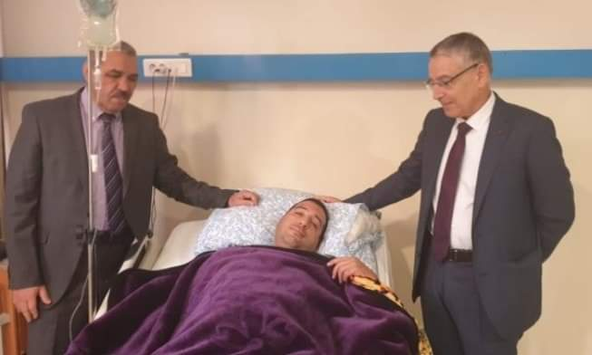 والي جهة بني ملال و عامل إقليم أزيلال يزوران القائد الذي تعرض للدهس من طرف سائق