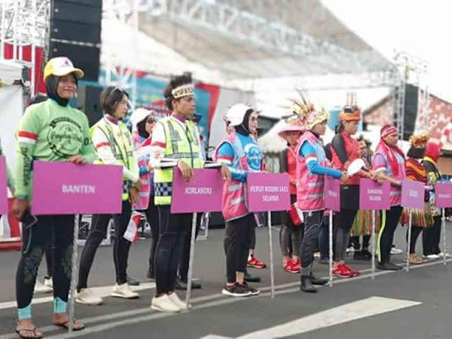 Anggota Persit KCK Cabang XXIX Kodim Selayar Ikuti  Event Rekor Muri Penyelam Wanita Massal