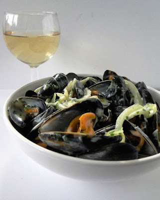 Mussels With Roquefort Sauce