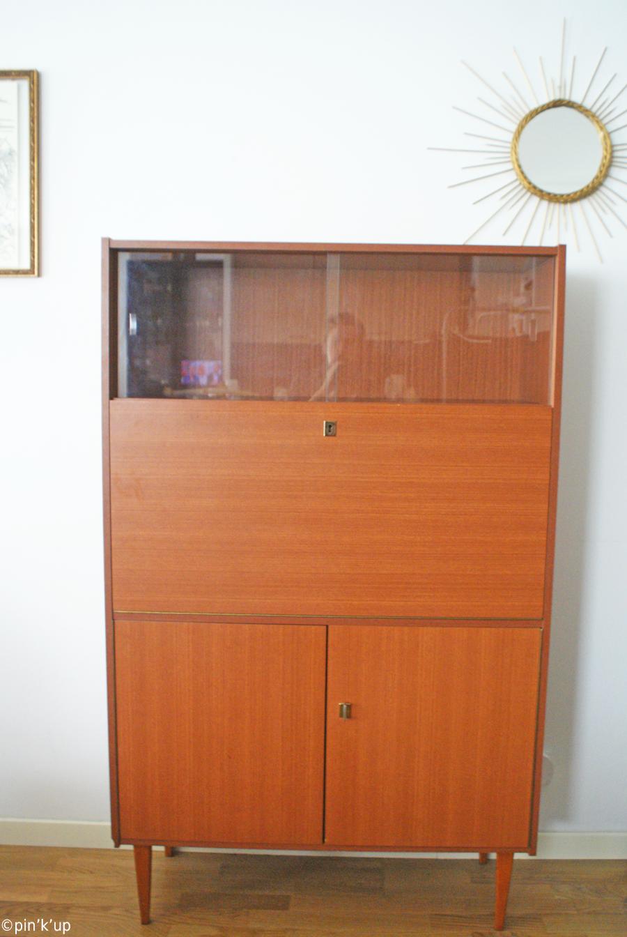 pin 39 k 39 up d co le nouveau look du secr taire chin. Black Bedroom Furniture Sets. Home Design Ideas