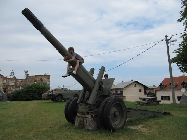 Howitzer M37 cañon