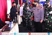 Panglima TNI Bersama Kapolri Tinjau Langsung Vaksinasi di Sumut
