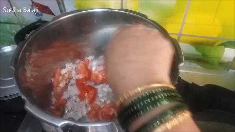 khichdi-recipe-thru-pics-1ae.png