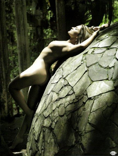 Mariana Seoane desnuda H Extremo Octubre 2007 [FOTOS]-2