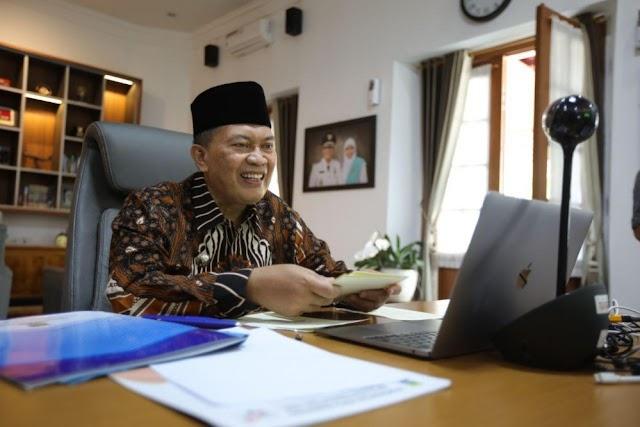 Peringatan Hardiknas 2021, Wali Kota Bandung Pastikan Persiapan PTM Matang
