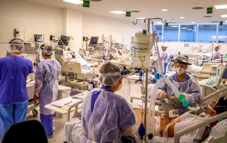 Leito de UTI do Hospital de Clínicas de Porto Alegre