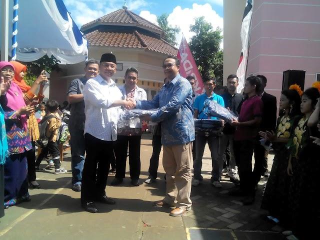 Karyawan dan Serikat PT. Astra Motor Indonesia Salurkan 763 Paket Tas dan Alat Tulis ke SDN-55 dan SDN-11  Kobi