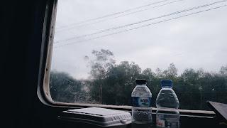 Di kereta