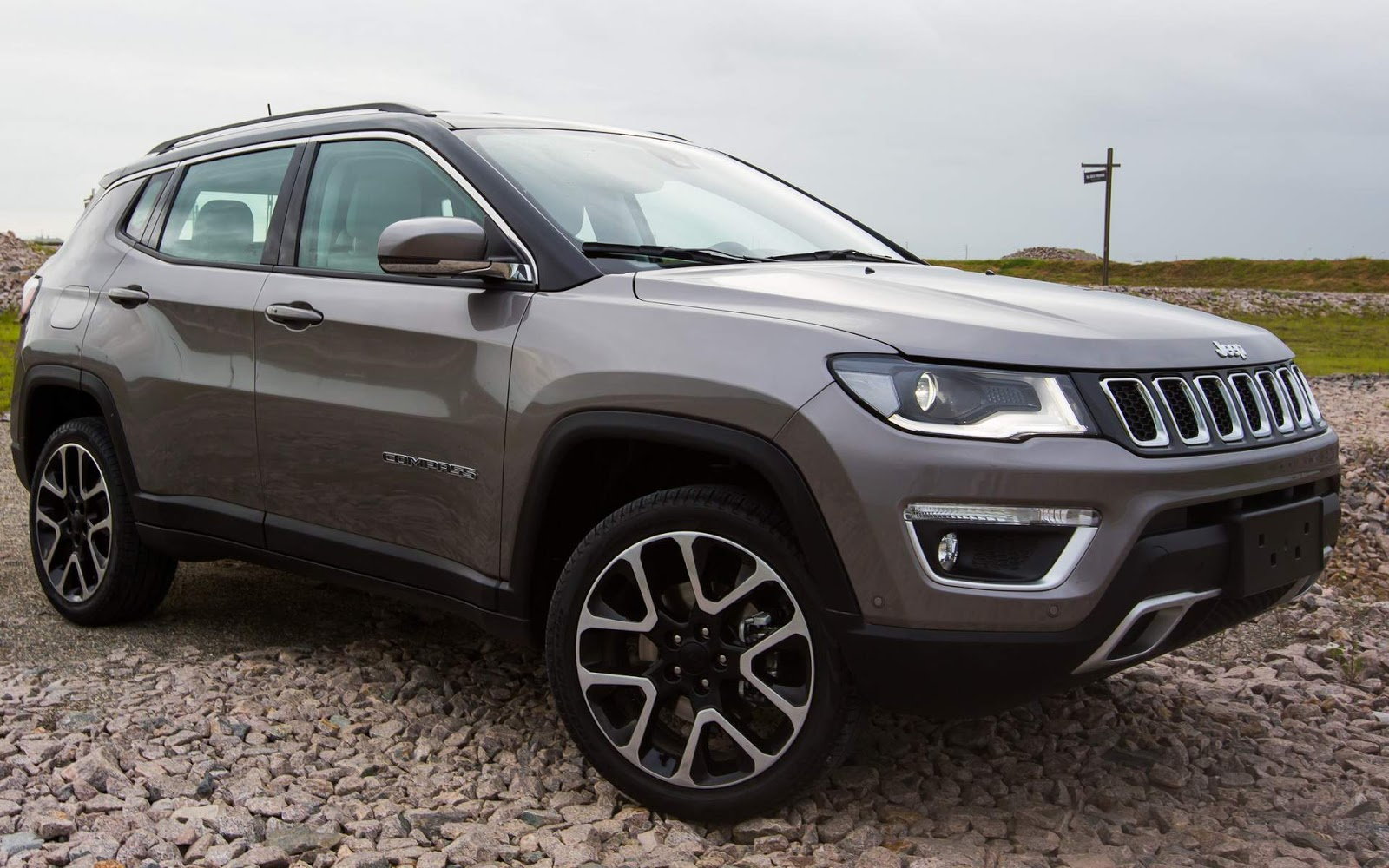 jeep compass 2018 fotos pre os e detalhes das vers es car blog br. Black Bedroom Furniture Sets. Home Design Ideas