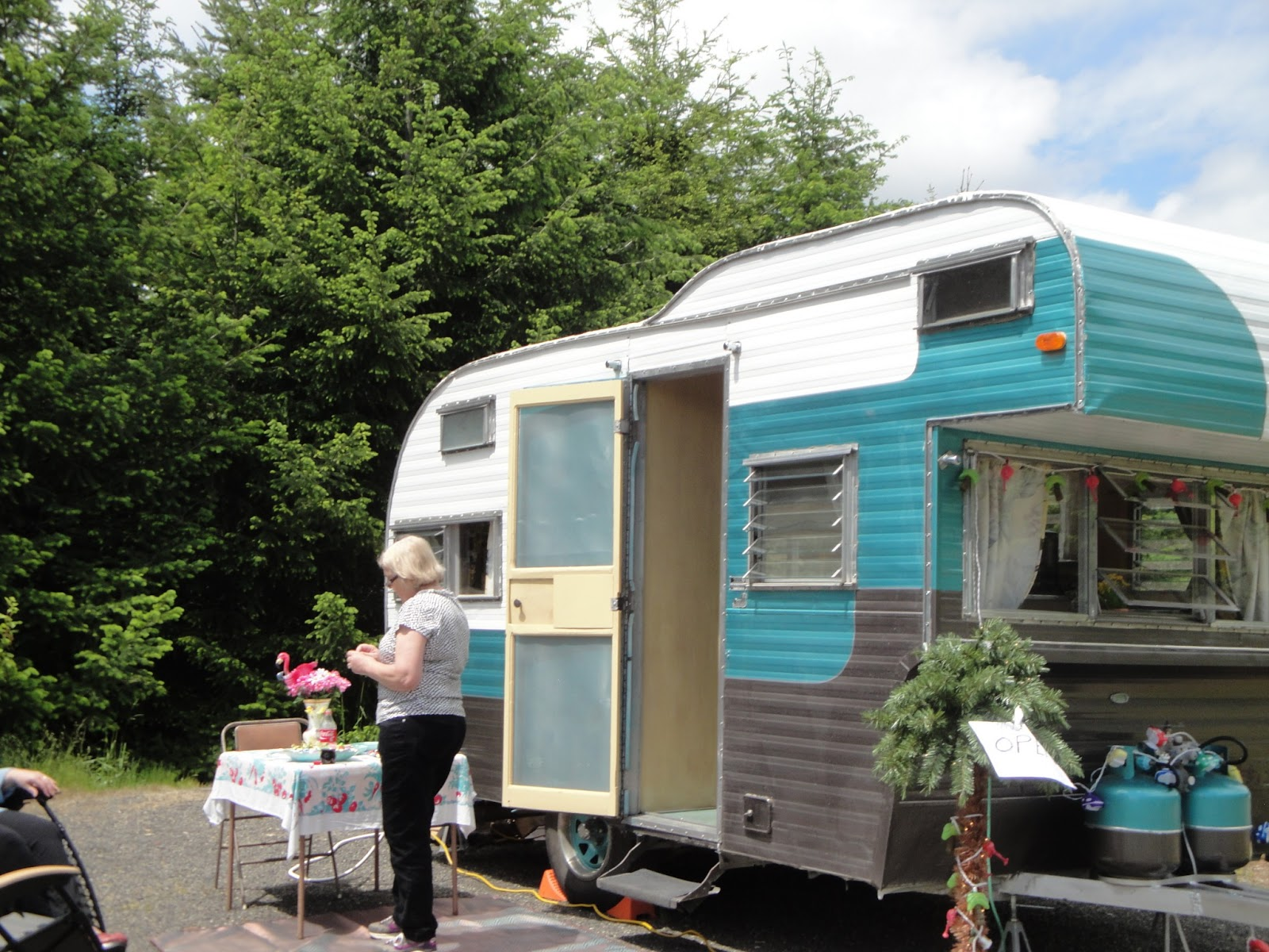 La Dee Dah My Vintage Trailer and Other Obsessions International Glamping Weekend Trailers