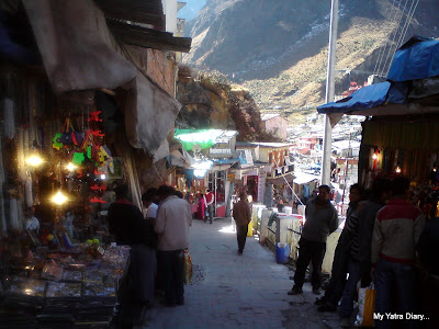 Shops selling trikets and temple ware on the way to the  Badrinath temple
