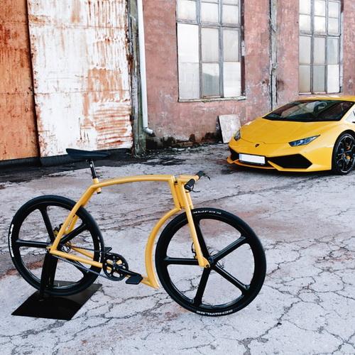 Tinuku Indrek Narusk bring aluminum alloy design for Vicks GT bike inspired Lamborghini