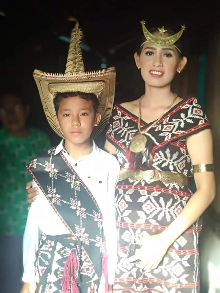 rote traditional costume