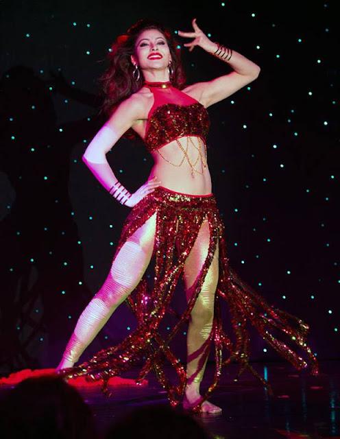 Bollywood Actress Urvashi Rautela Latest Dancing Pics Navel Queens