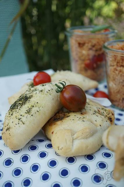 gefüllte Teigtaschen mit Zucchini und Hackfleisch