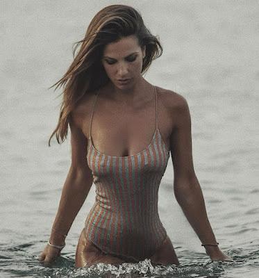 Roberta Morise costume da bagno intero Cirò Marina Calabria 2 agosto