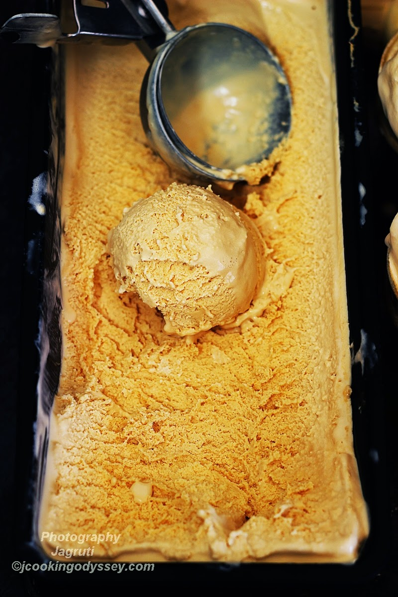 EGGLESS & EASY CARAMEL ICE CREAM