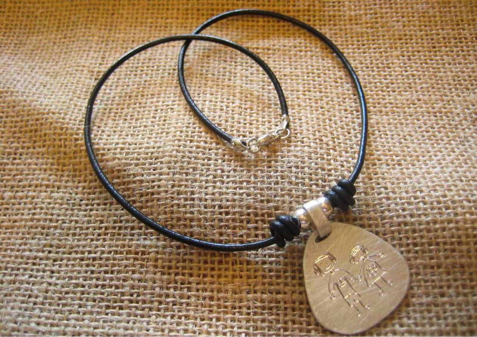 Collar cuero plata chapa personalizada joyería artesanal