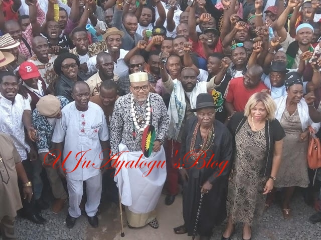 IPOB SPITS FIRE , TELLS FG AND SOUTH EAST GOVERNORS TO PRODUCE KANU WITHIN 7 DAYS OR ELSE..