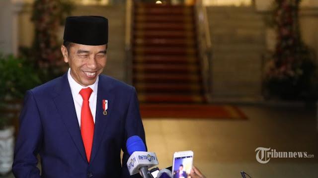 Yang Dipanggil Belum Tentu Jadi Menteri, Jokowi Biasa Lakukan Hal-hal Tak Biasa pada Injury Time