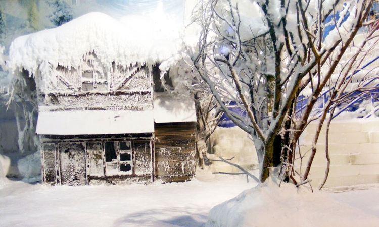 Keseruan Bermain Salju di Snow World International, Kota Bekasi