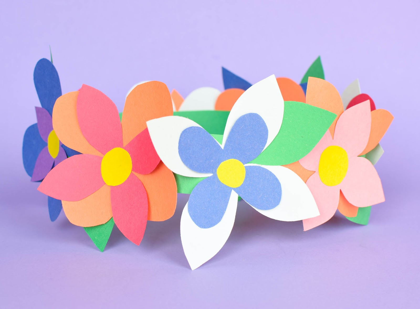 Flower crown spring craft what can we do with paper and glue flower crowns great easy spring craft for preschool kindergarten or elementary kids izmirmasajfo